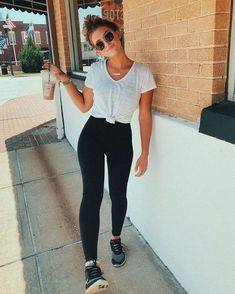 10 more casual sporty outfits summer * * lässige sportliche outfits im sommer 2020 Athleisure Outfits, Sporty Outfits, Simple Outfits, Fashion Outfits, Modest Outfits, Fashion Fashion, Prep Fashion, Airport Outfits, Sporty Fashion
