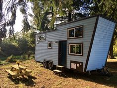 Tiny Heirloom micro cabin boasts spilt-level living space and climbing wall Tiny House Plans, Tiny House On Wheels, Home Climbing Wall, Rock Climbing, Small Mobile Homes, Small Homes, Portugal, Tiny House Nation, Tiny Studio
