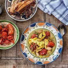 Kale pottage with confit pork ribs and tomatoes  Kelkáposzta főzelék konfitalt sertés oldalassal es paradicsommal #ketogenic #ketolife #ketoheaven #juhyphotography #instafood #foodstyling #foodstagram #gastronomy #gastroblog #instagastro #lowcarb #glutenfree #diaryfree #paleo #pottage #hungariancuisine #mutimiteszel #vegetables #pork #kale #tomato #eatclean #cleaneating #healthyfoodporn #fozelek #lchf #ketogains