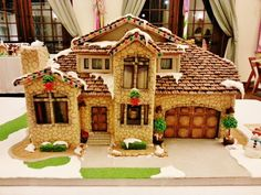 A Holiday Decor classic, this collection of Spectacular Gingerbread Houses showcases painstaking work, intricate attention to detail, and inventive designs. Gingerbread House Pictures, Cool Gingerbread Houses, Gingerbread Village, Christmas Gingerbread House, Gingerbread Cookies, Christmas Cookies, Christmas Deserts, Christmas Houses, Cookie House