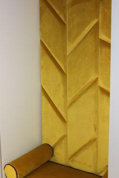Siedzisko i ścianka tapicerowana w przedpokoju. 3d Wall, 3 D, Diy And Crafts, Interior, Home Decor, Decoration Home, Indoor, Room Decor, Interiors