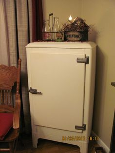 Chest Refrigerator Old Fashioned