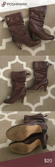 """Steve Madden Boots I have a pair of brown Steve Madden boots with short heels. The heels are 3"""" so not too high. The heels and bottom do show some wear which you can see in the pictures but plenty of life left! Bundle and save 25%! Steve Madden Shoes Heeled Boots"""