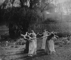 Round and round - a circle coven.