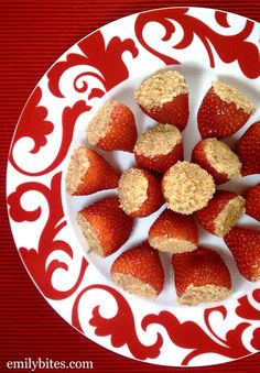 Cheesecake Stuffed Strawberries - so yummy! Really tasted like little cheesecake bites... And so much better for you than the real thing :)