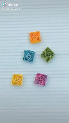 Quilling Flowers Tutorial, Paper Quilling Flowers, Paper Quilling Cards, Paper Quilling Patterns, Quilling Videos, Paper Quilling For Beginners, Quilling Techniques, Diy Quilling Crafts, Quilling Art