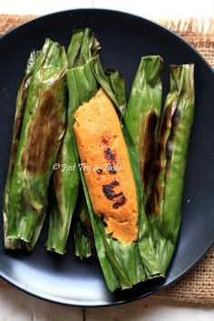 Resep Otak-Otak Ikan Bumbu Rempah a la JTT Salmon Recipes, Fish Recipes, Seafood Recipes, Asian Recipes, Mexican Food Recipes, Cooking Recipes, Malaysian Cuisine, Malaysian Food, Indonesian Cuisine