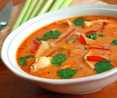 Thai soup Recipes with Chicken is One Of the Liked soup Recipes Of Many People Round the World. Besides Simple to Create and Great Taste, This Thai soup Recipes with Chicken Also Health Indeed. Slow Cooker Fajitas, Slow Cooker Enchiladas, Slow Cooker Lasagna, Slow Cooker Roast, Healthy Chicken Soup, Vegetarian Chicken, Chicken Soup Recipes, Thai Chicken, Chicken Avacado