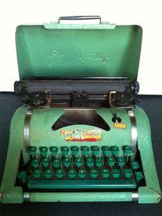 Vintage toy typewriter  - Tom Thumb - 1950's