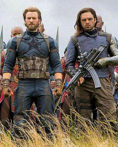 Captain America and Bucky Barnes in Wakanda - Avengers Infinity War Steve Rogers, Dc Movies, Marvel Movies, Bucky Barnes, Sebastian Stan, Super Marvel, Infinito Marvel, Logo Super Heros, Girl Faces