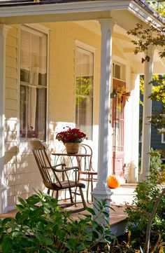 CURB APPEAL – another great example of beautiful design. Front Porch Fall Decor.