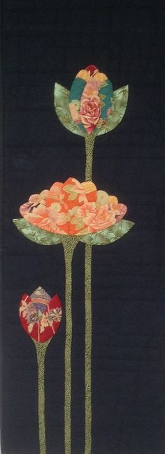 Lotus Flower Quilt by Robyn Burgess (New Zealand) Inspiration for patchwork / applique Flower Applique, Applique Patterns, Applique Quilts, Applique Designs, Quilting Projects, Quilting Designs, Japanese Quilt Patterns, Japanese Patchwork, Japanese Fabric