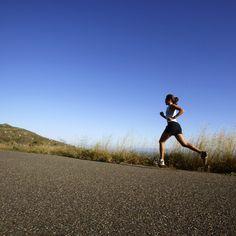 Courir, rien de plus simple ! Tout le monde peut s' y mettre. Faites le plein de bonnes raisons avant de passer aux bonnes résolutions, et c'est parti...