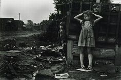Janet Mendelsohn, The street (c.1968). Black and white photographic print. Courtesy Cadbury Research Library: Special Collections, University of Birmingham.