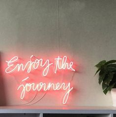 Neon sign Quotes for badass babes. Neon Signs Quotes, Motivation, Inspiration Entrepreneur, Licht Box, Light Quotes, Neon Aesthetic, Neon Light Signs, Neon Lighting, Wall Collage