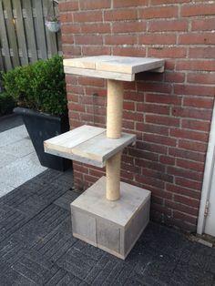 Krabpaal voor katten! Gemaakt van gebruikt stijgerhout.