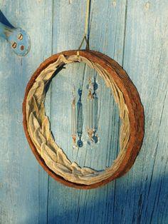 Door wreath of metal ring and leaves - Daughters of Tobias