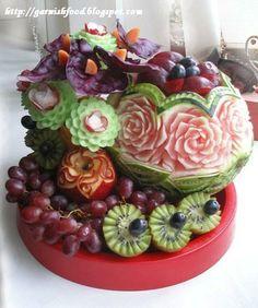 Fruit Carving Arrangements and Food Garnishes: Wedding Arrangement: Watermelon Vase and Vegetable Carving Flowers