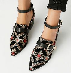 Next Post Previous Post shoes Trending Fashion High Heels Schuhe Trending Mode High Heels Cute Shoes, Me Too Shoes, Pretty Shoes, Betsey Johnson, Shoe Boots, Ankle Boots, Shoes Sandals, Women's Flats, High Sandals