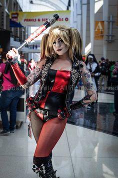 Punk Rock Harley Quinn @C2E2 Batman Cosplay, Dc Cosplay, Cosplay Outfits, Best Cosplay, Cosplay Girls, Cosplay Costumes, Harley Quinn Halloween Costume, Harley Quinn Cosplay, Joker And Harley Quinn