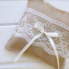 Μαξιλάρι για βέρες με λινάτσα & δαντέλα - Θήκη Για Βέρες Γάμου | Zoulovits® Burlap, Wedding Planning, Reusable Tote Bags, Hessian Fabric, Wedding Ceremony Outline, Jute