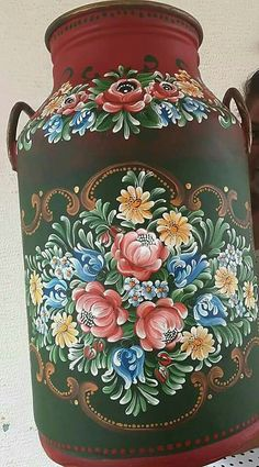 Bauernmalerei Ceramic Painting, Fabric Painting, Painting On Wood, Painted Milk Cans, Rosemaling Pattern, Norwegian Rosemaling, Tole Painting Patterns, Bird Houses Painted, Russian Folk Art