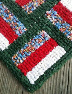 Locker hooking, rag rug design, PRIMITIVE