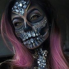 This is awesome!  Does anyone know the artist or model? #halloween #onpoint #steadfastbrand #SFB #ITB #inkisthickerthanblood