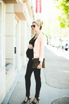 Stylish maternity outfit - DSW Spring Trends Barefoot Blonde by Amber Fillerup Clark