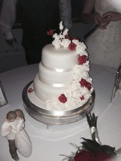 The cake and cake table