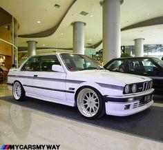 No photo description available. Bmw 325e, Bmw E30 M3, Bmw Alpina, Bmw Autos, Bmw Classic Cars, Tuner Cars, Sweet Cars, Bmw 3 Series, Custom Cars