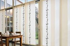 the best designs of Japanese curtain panels, Top tips to choose Japanese curtains for door and window, unique Japanese door curtains and how to choose the suitable Japanese style curtain Panel Blinds, Fabric Blinds, Panel Curtains, Curtain Panels, Modern Home Interior Design, Modern Decor, Japanese Door, Japanese Style, Japanese Models