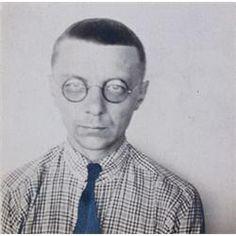 Joost Schmidt, a student the Bauhaus school and graphic design hero.