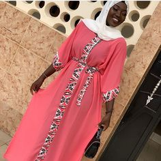 African Lace Dresses, Latest African Fashion Dresses, African Dresses For Women, African Wear, Abaya Fashion, Kimono Fashion, Mode Abaya, Hijab Fashionista, Hijab Fashion Inspiration