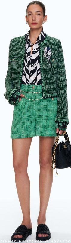 Chanel Couture, Haute Couture Fashion, Fashion 2020, High Fashion, Womens Fashion, Mode Outfits, Fashion Outfits, Fashion Trends, Coco Chanel