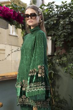 Designer Wear, Designer Dresses, Suits For Women, Clothes For Women, Eastern Dresses, Pakistani Salwar Kameez, Kurti, Dress Neck Designs, Linen Suit