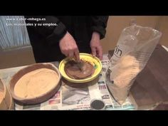 COMO HACER MASILLA DE MADERA - YouTube                                                                                                                                                                                 Más Pasta Casera, Homemade Clay, Stencil Patterns, Pasta Flexible, Easy Diy Crafts, Cold Porcelain, Diy Videos, Diy Painting, Decoupage