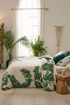 Expressive Palms Jersey Duvet Cover – Home Wishlist – Living Room Tropical Bedrooms, Tropical Home Decor, Tropical Houses, Tropical Interior, Tropical Colors, Tropical Vibes, Tropical Furniture, Tropical Master Bedroom, Tropical Bedding
