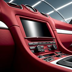 Bríndale un peculiar estilo a tu auto con los accesorios de Porsche Tequipment.