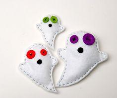 Stuffed felt toy ghosts, Halloween home decor, handmade and sewn #Halloween