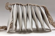 benedicte vallet Sculptures Céramiques, Art Sculpture, Abstract Sculpture, Ceramic Jewelry, Ceramic Art, Organic Ceramics, Porcelain Clay, Paperclay, Fibres