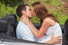¿Quemar calorías? ¿Hacerte lucir más joven? Estos no serían los beneficios de un producto maravilloso, ¡sino de los sensuales besos que nos damos con nuestra pareja! Por eso, te invitamos a descubrir 7 asombrosos cambios que podrían causar en tu cuerpo. ¡Sigue leyendo!</p>
