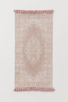 Small tasselled cotton rug - Light beige/White patterned - Home All | H&M GB Washed Linen Duvet Cover, Classic Curtains, Harlequin Pattern, H&m Home, Rectangular Rugs, Linen Curtains, Powder Pink, Cotton Velvet, Light Beige