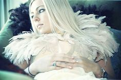 need to find link Feather Cape, Ostrich Feathers, Game Of Thrones Characters, Fictional Characters, Link, Fashion, Moda, Fashion Styles, Fantasy Characters