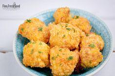 Eine schnell zubereitete und schmackhafte Beilage aus frittiertem Blumenkohl im Cornflakes-Mantel.
