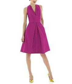 DescriptionAlfred Sung Style D612Cocktail length bridesmaid dressSleeveless Vneckline Inset waistbandInverted pleat Aline skirtPocketsPeau de Soie
