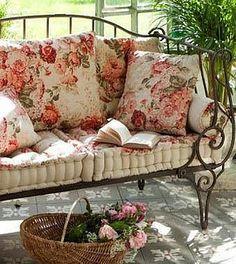 Style Cottage, Rose Cottage, Farmhouse Style, Garden Cottage, Shabby Chic Homes, Shabby Chic Decor, Shabby Chic Garden, Outdoor Rooms, Outdoor Living
