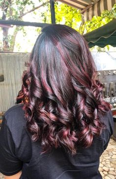 Black Cherry Hair Color, Cherry Hair Colors, Dark Red Ombre, Hair Color Highlights, Winter Hairstyles, Long Hair Styles, Beauty, Curls, Hair Color Streaks