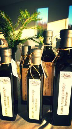 Willa Söder own olive oil, finally on a bottle.