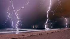 Lightning storm in Western Australia Weather Storm, Wild Weather, Lighting Storm, Lightning Images, Storm Images, Strange Weather, Harbor Beach, Thunder And Lightning, Lightning Strikes